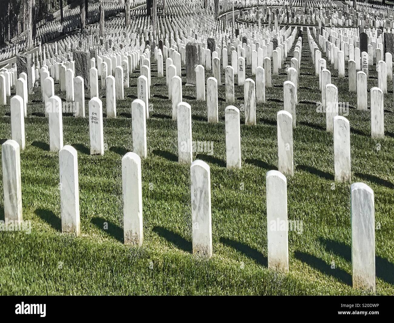 Endless gravesites at Naval cemetery in the Presidio, San Francisco - Stock Image