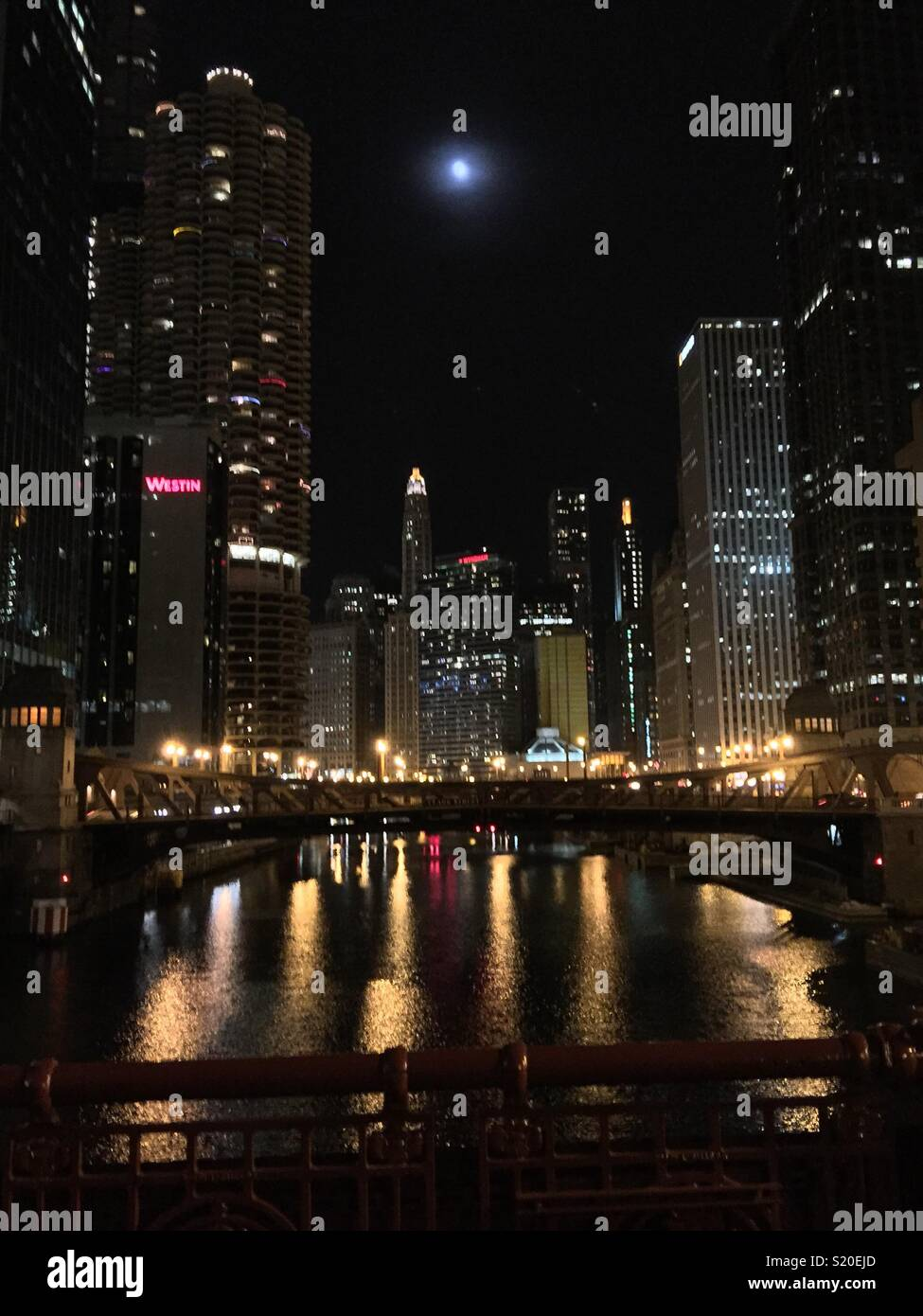 Night time in the Windy City - Stock Image