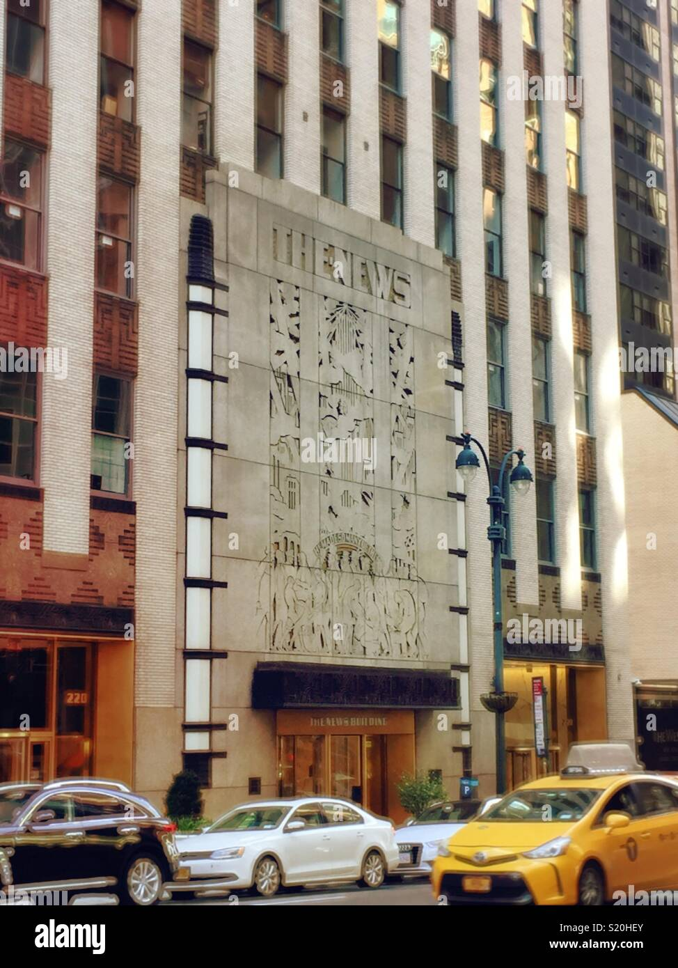 The Main Entrance To The New York Daily News Newspaper Building E