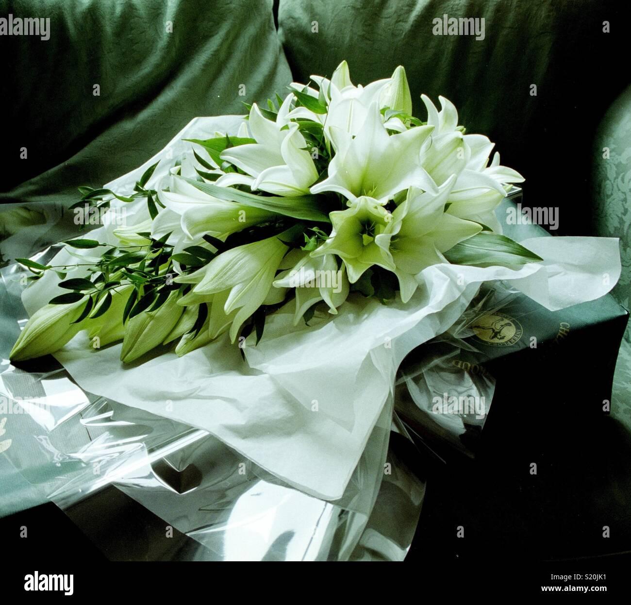 White Lily Wedding Bouquet Stock Photo Alamy