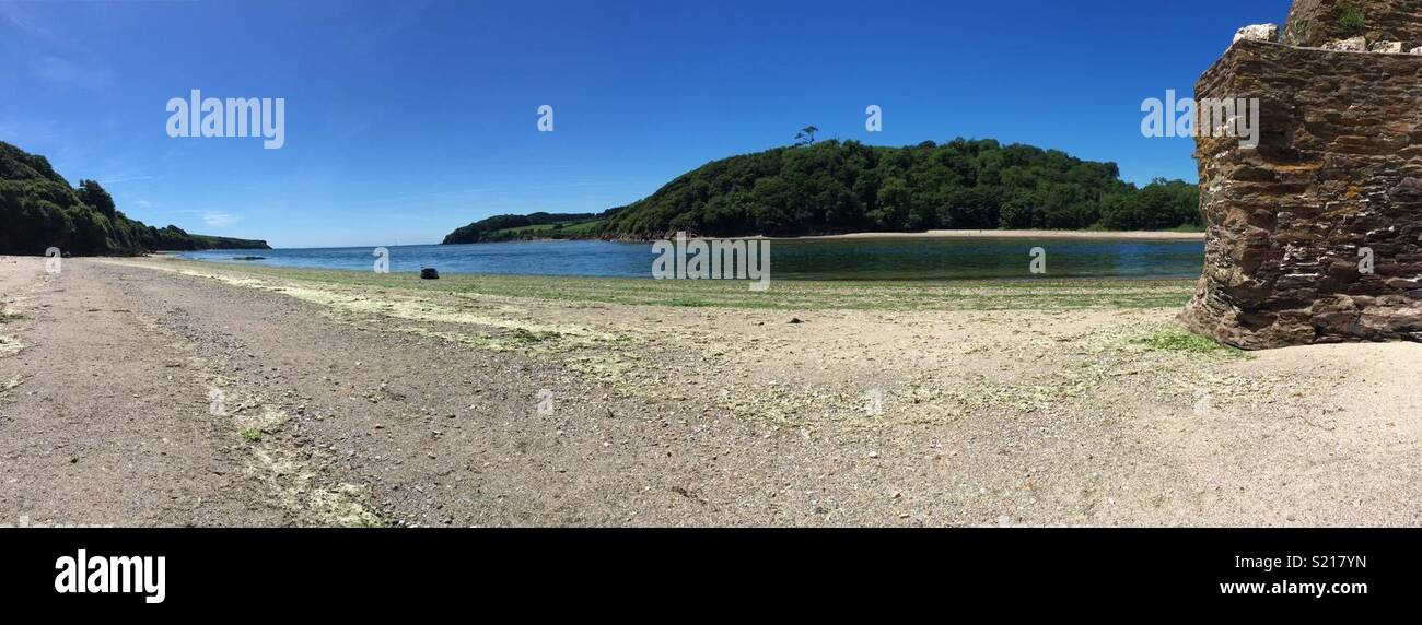 Wonwell beach and the River Erme. - Stock Image