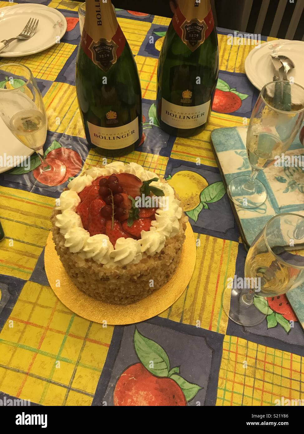 Pleasant Patisserie Valerie Cake And Bollinger Champagne For Birthday Funny Birthday Cards Online Necthendildamsfinfo