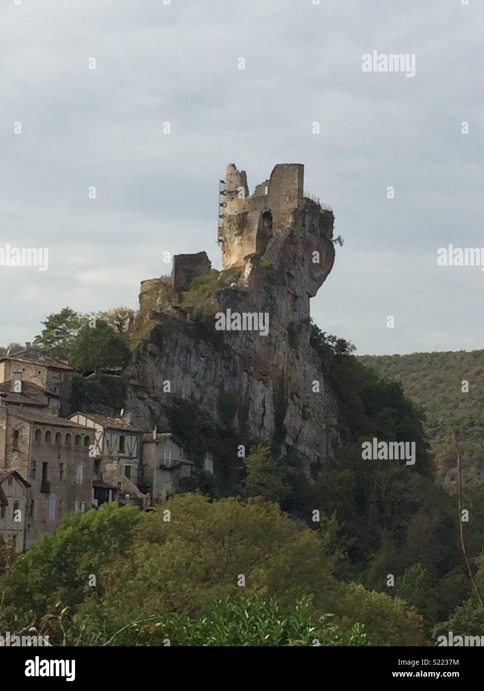 French ruined chateau in the sky - Stock Image
