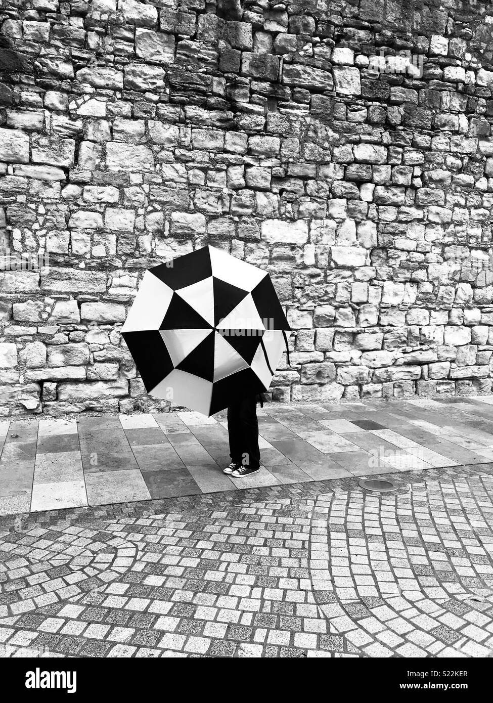 Photo session at the Old City Walls, Southampton, by the recently developed area adjacent to West Quay - Stock Image