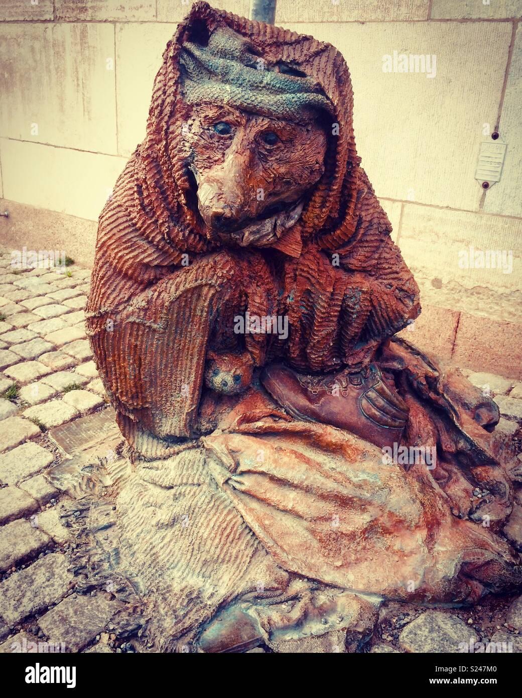 Stockholm rag and bones statue, representing homelessness - Stock Image