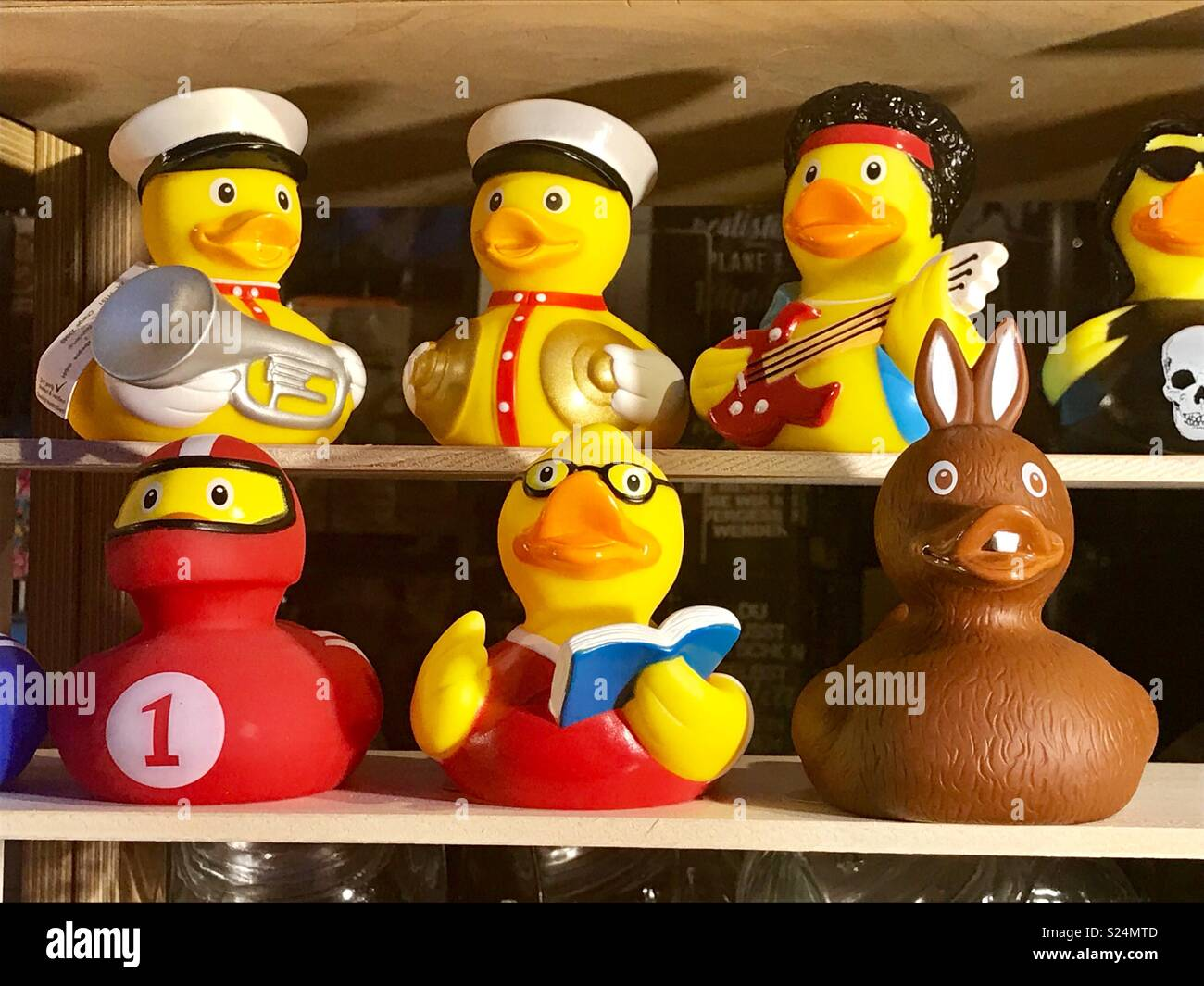 Rubber Ducks In Row Stock Photos & Rubber Ducks In Row Stock Images ...