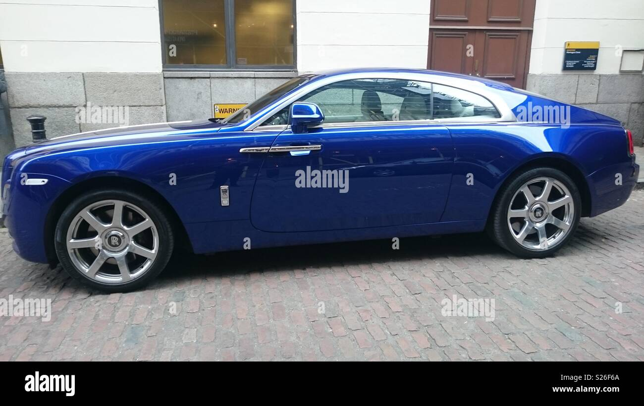Blue Rolls Royce High Resolution Stock Photography And Images Alamy