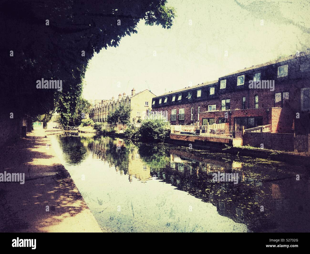 Grainy photo of Hertford union canal in Bow, East London - Stock Image