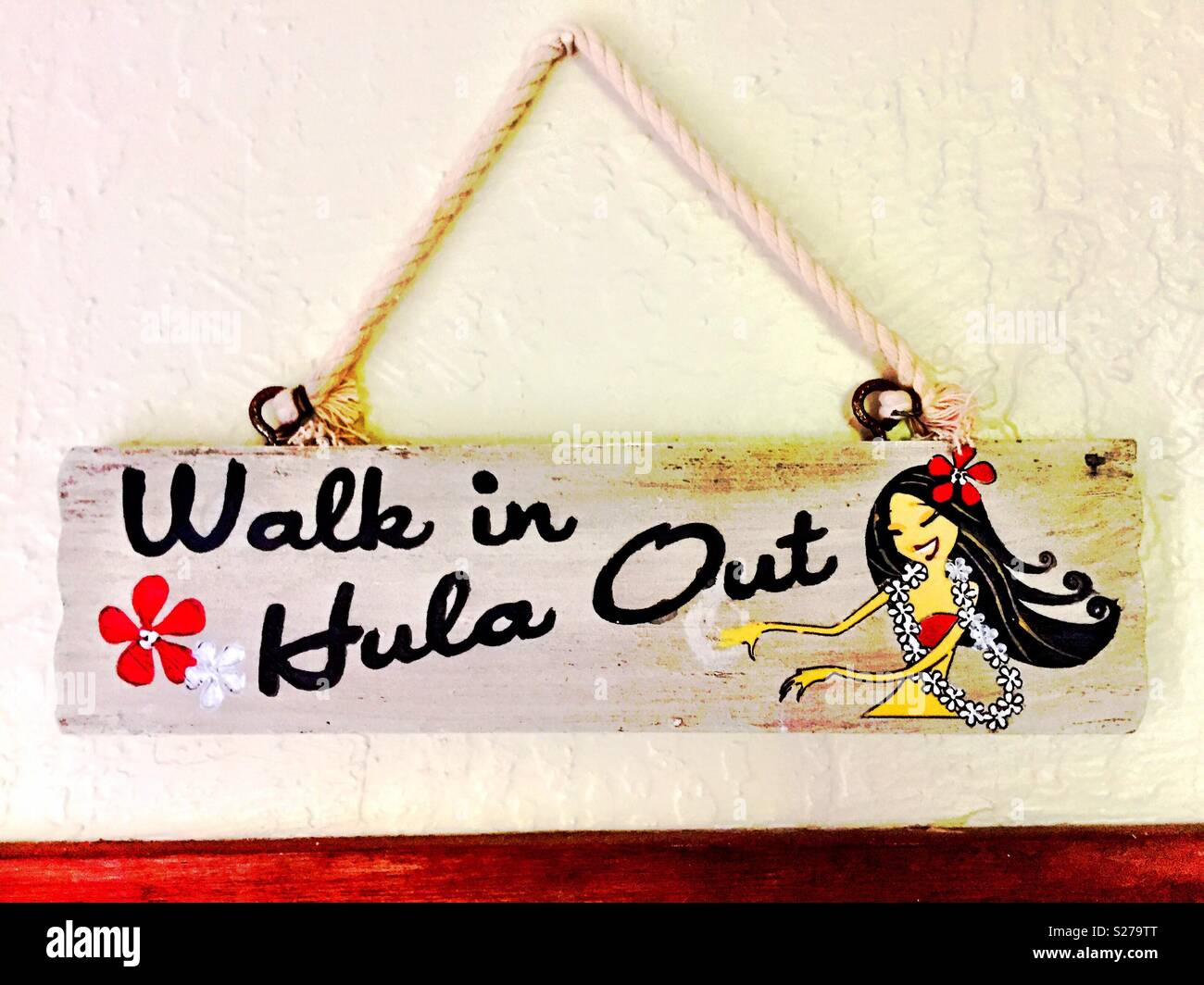 Walk in hula out traditional hawaiian entryway greeting stock traditional hawaiian entryway greeting m4hsunfo