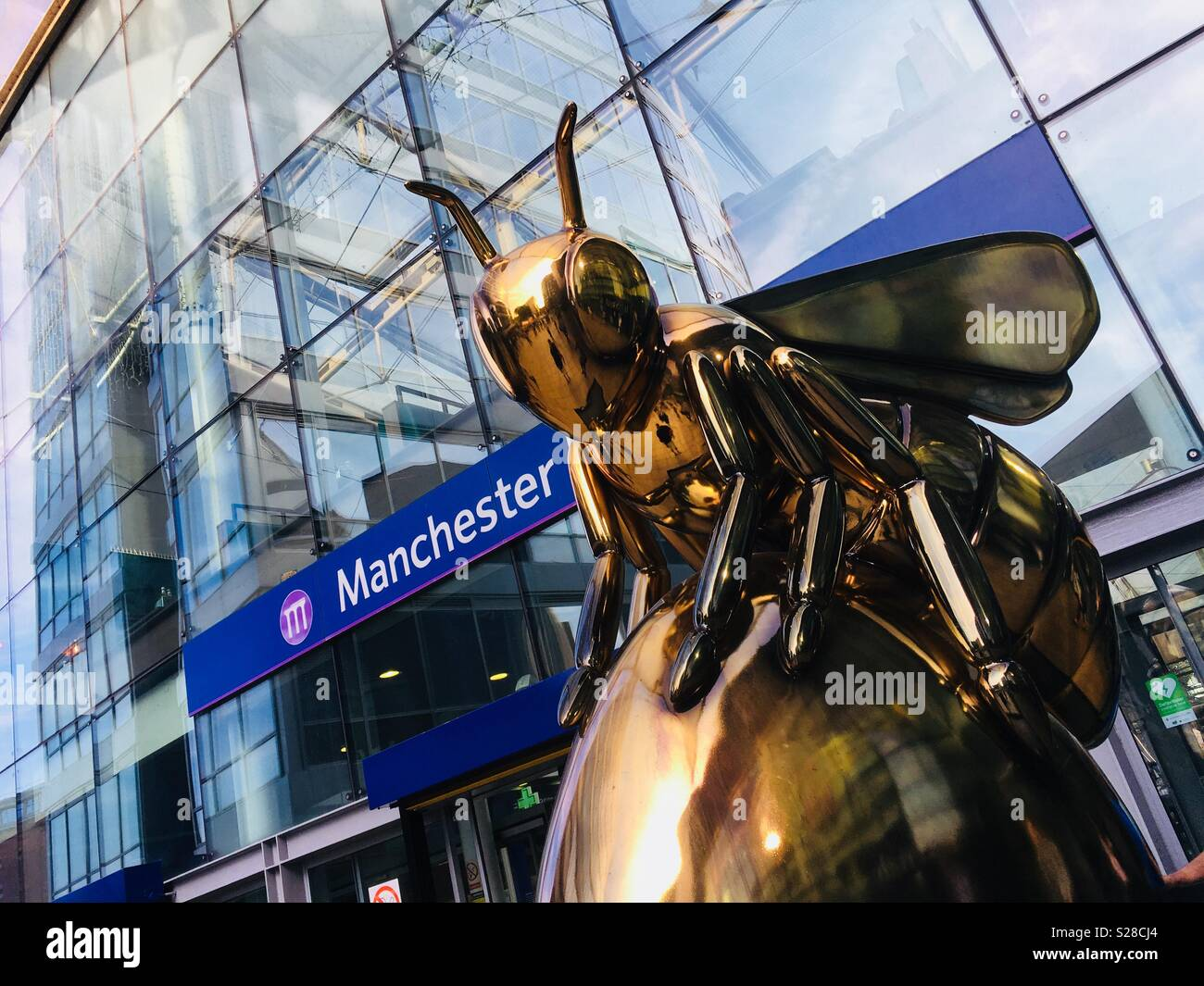 Manchester Bee in the City - Stock Image