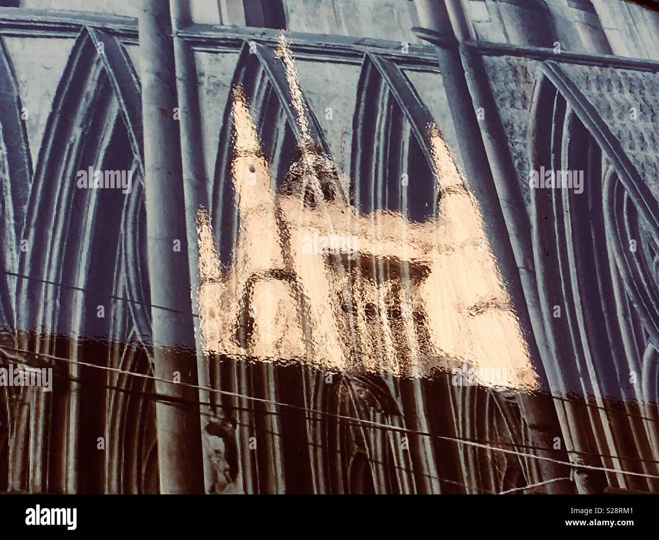 reflection-of-westminster-abbey-london-e
