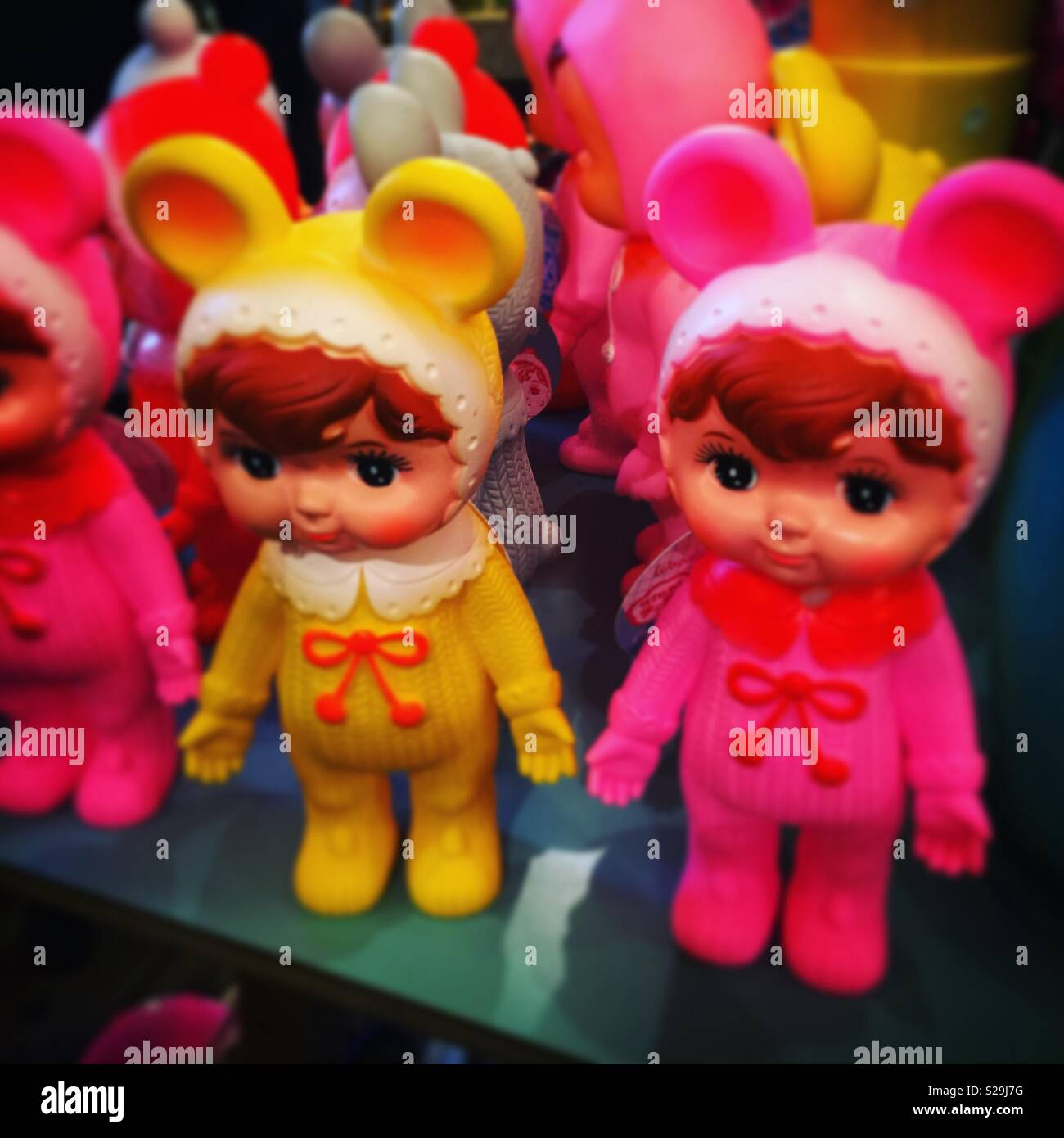 Kitsch retro plastic dolls - Stock Image