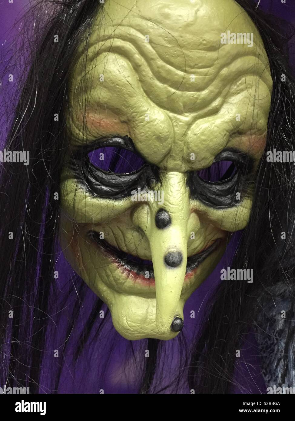 Evil Sinister Witch With Warts On Her Nose Mask Halloween Usa
