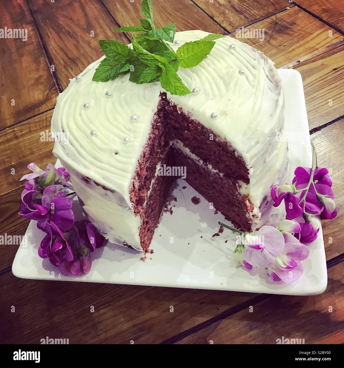 Beautiful cake with floral decoration - Stock Image
