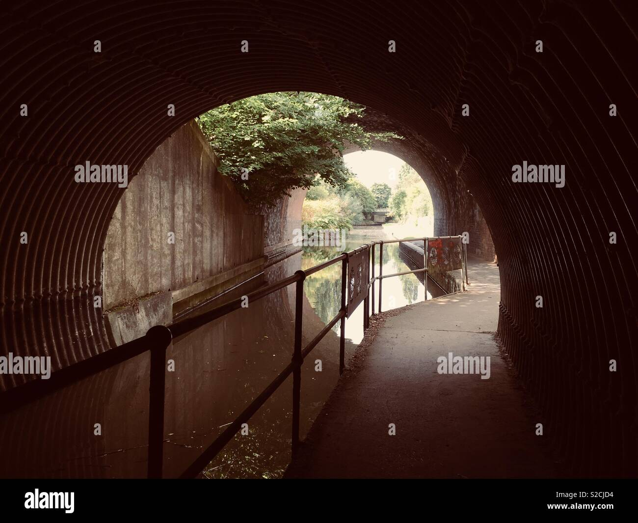 Canal tunnel along Droitwich Spa canal. - Stock Image