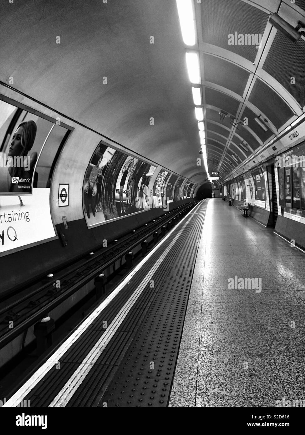 Deserted St. Paul's tube station London. - Stock Image