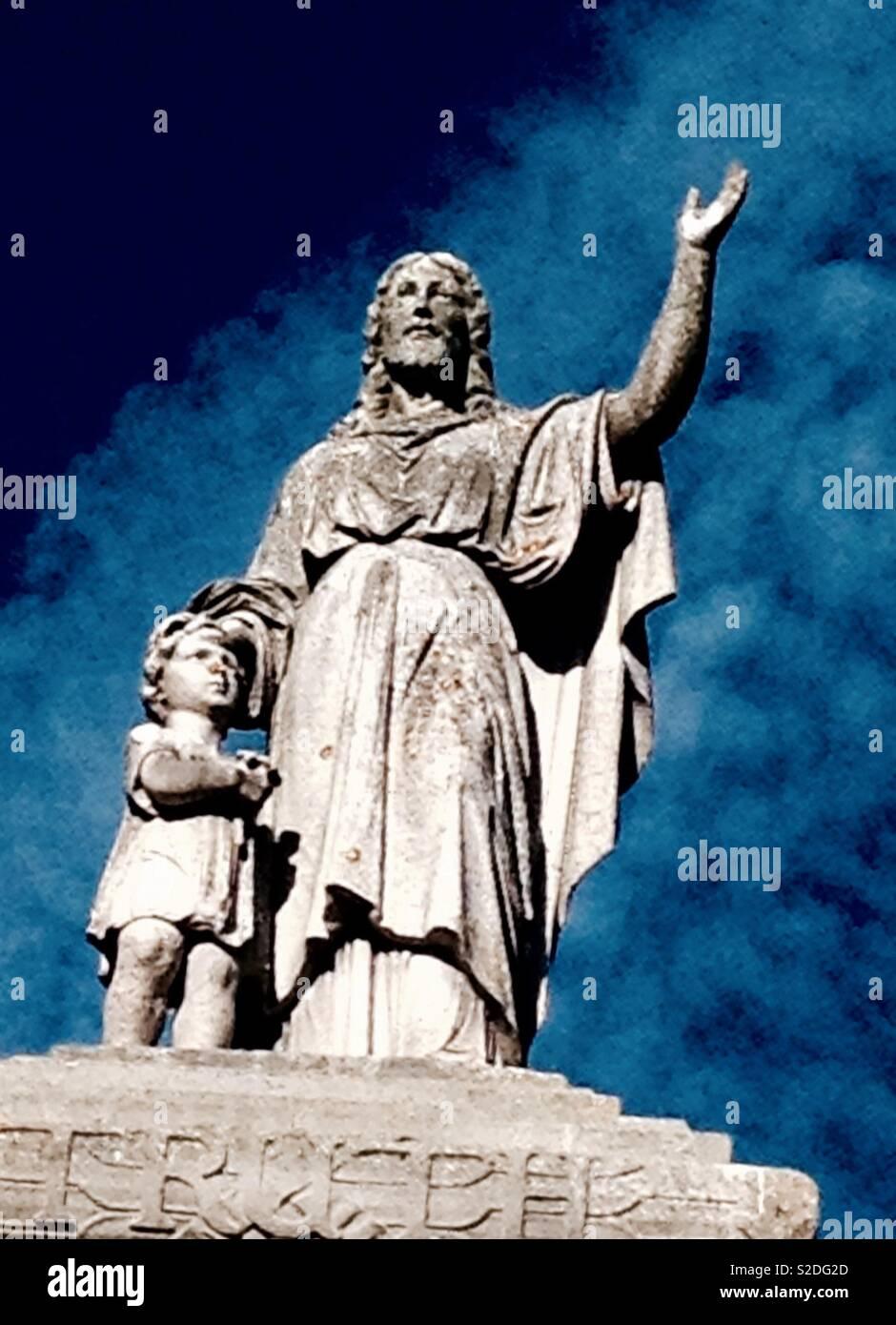 Monumental masonry atop Victorian mausoleum in London - Stock Image