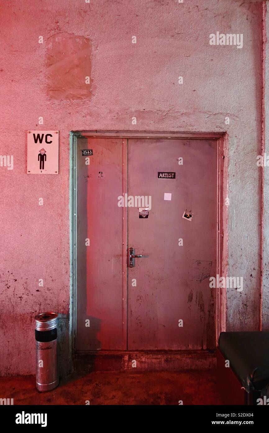 Backdoor Entry Stock Photos U0026 Backdoor Entry Stock Images ...