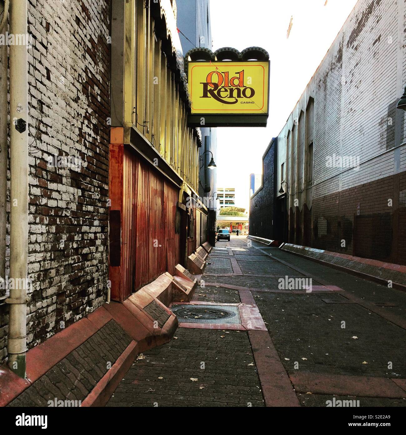 An alleyway in Downtown Reno, Nevada, United States - Stock Image