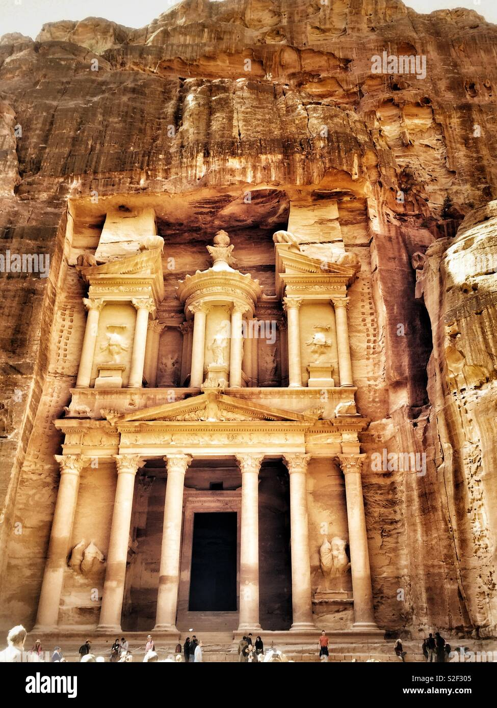 The Treasury, Petra, Jordan. The Rose Red City carved by the Ancient Nabataeans. - Stock Image