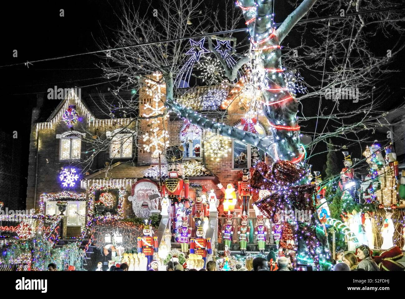 Dyker Heights Brooklyn Christmas Lights.Dyker Heights Christmas Lights Stock Photo 311355902 Alamy