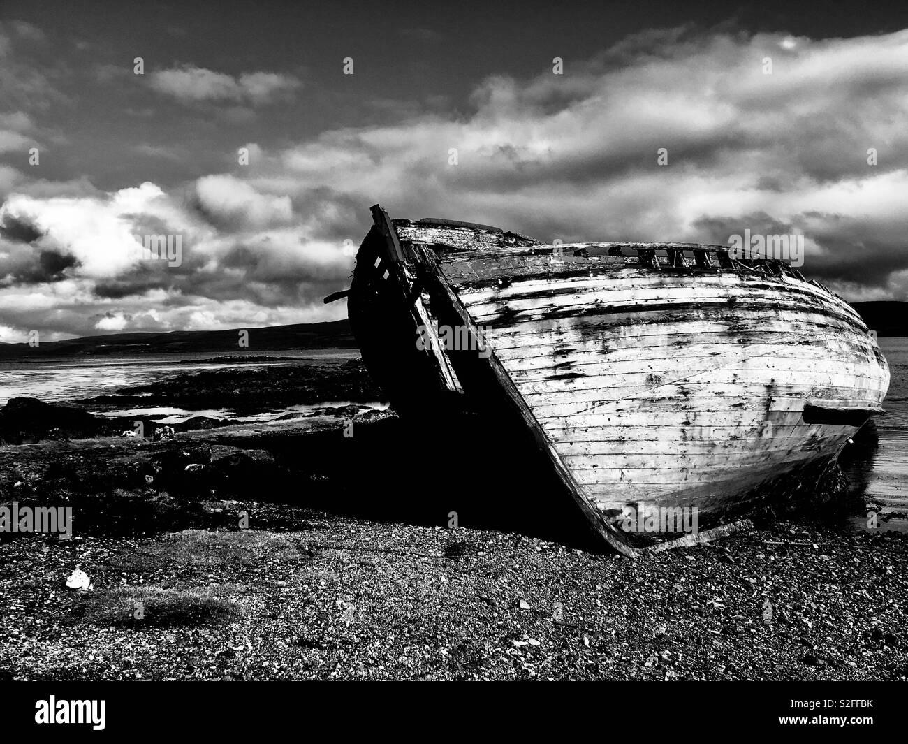 Derelict fishing boat, Salen, Isle of Mull Scotland - Stock Image