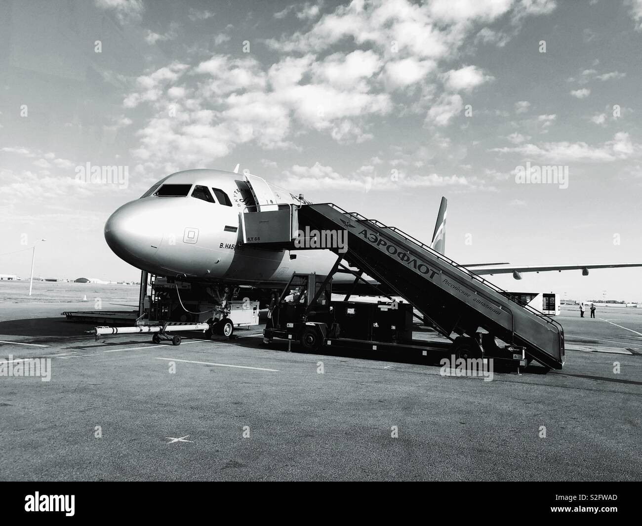 Airplane ready for passengers to embark on tamarack - Stock Image