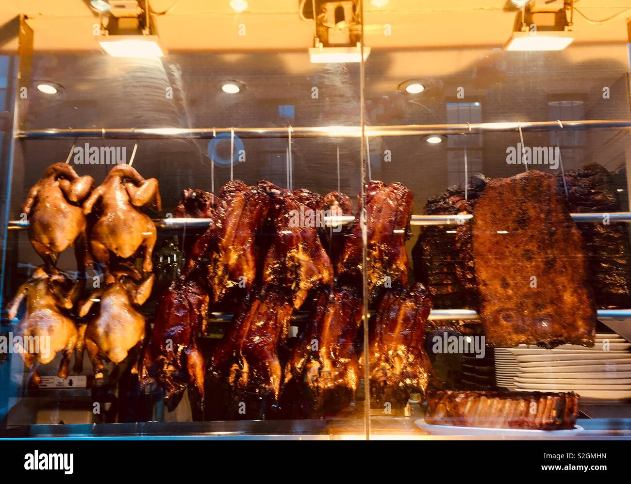 Crispy Duck, Chinese poultry in Chinatown London W1 - Stock Image