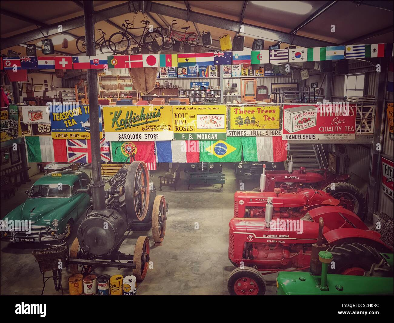 Variety of collectibles and antiques in Toeka Stoor, Paarl, South Africa. - Stock Image