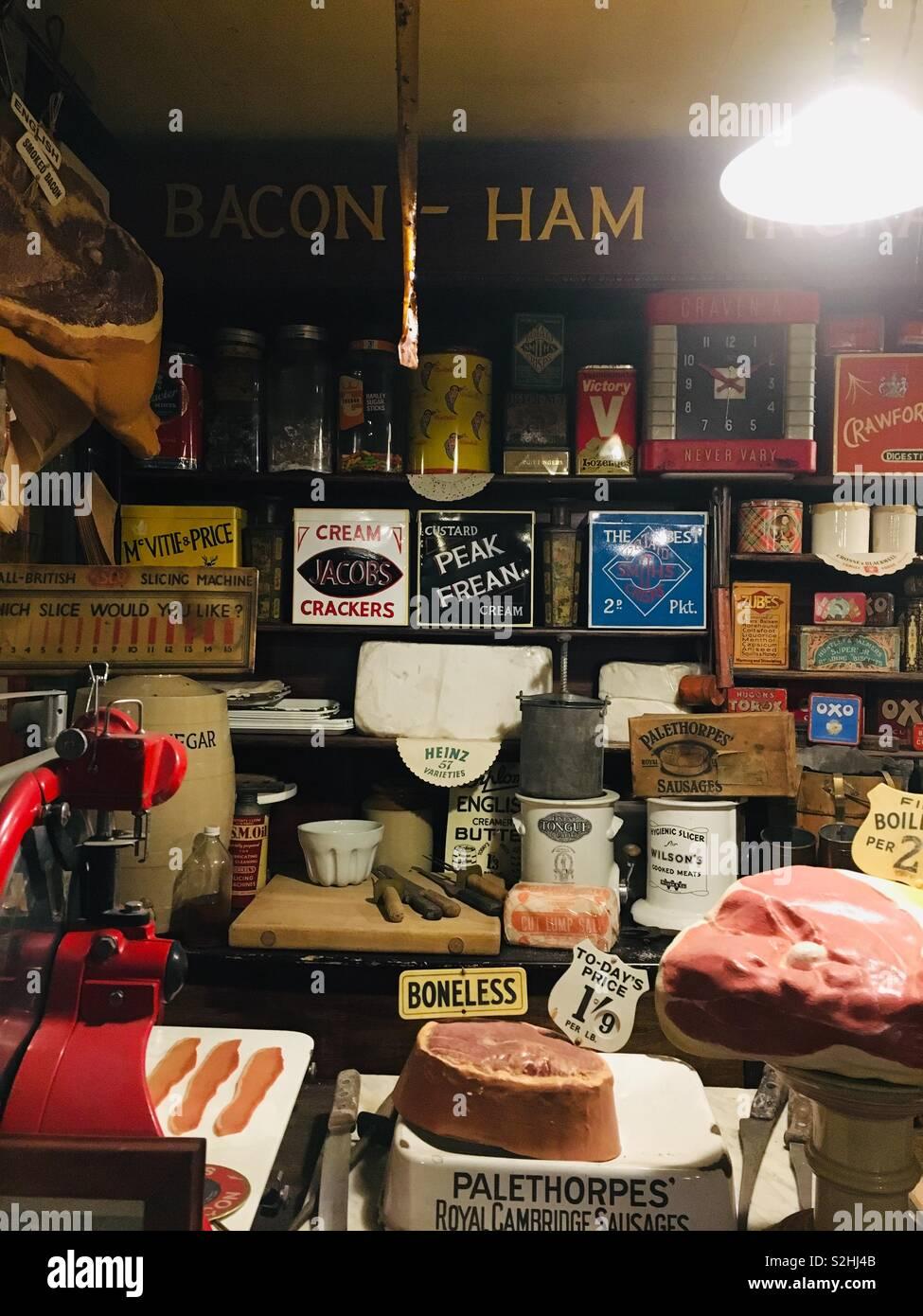 Vintage grocery shop interior- UK - Stock Image