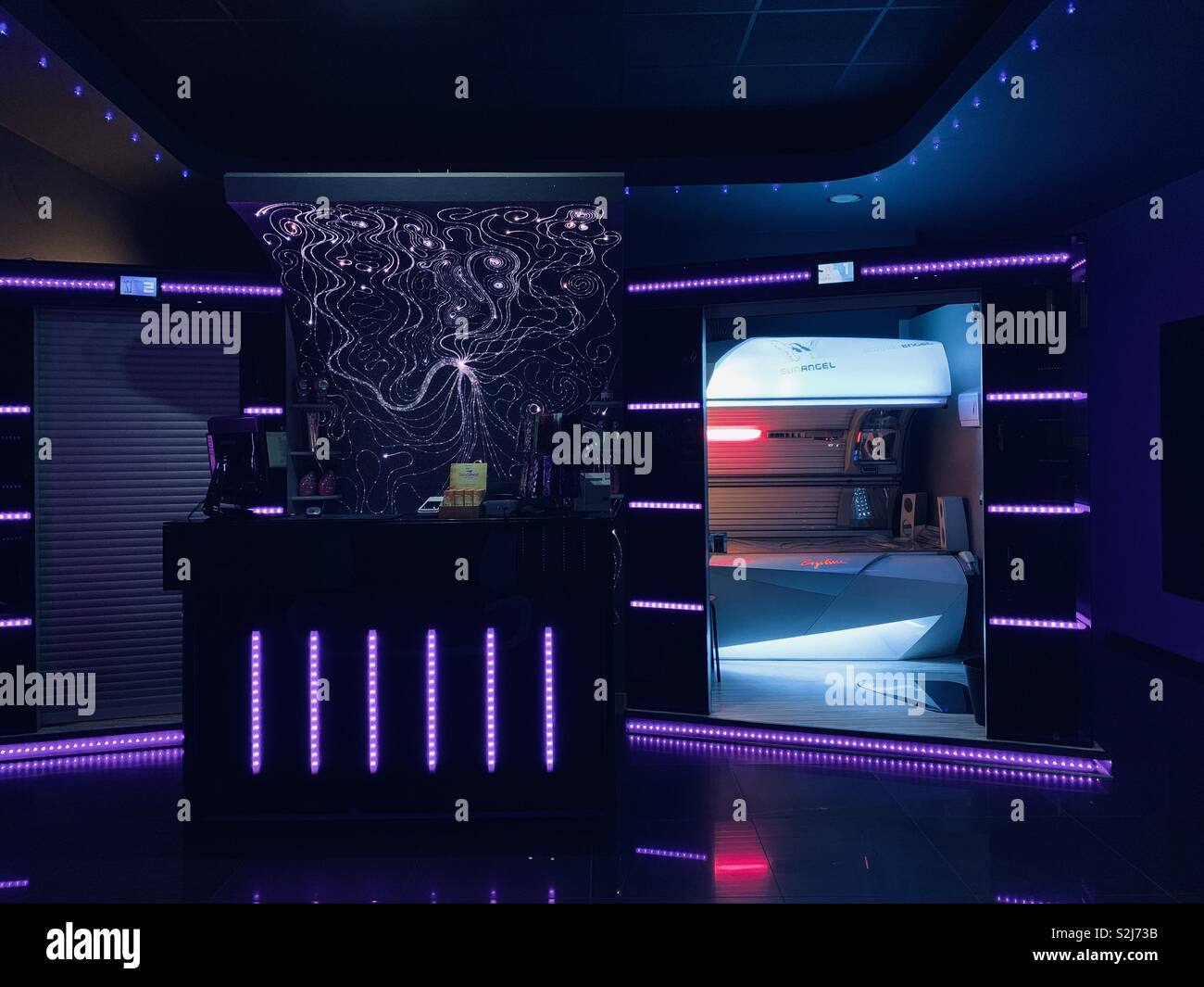 A futuristic looking tanning salon - Stock Image
