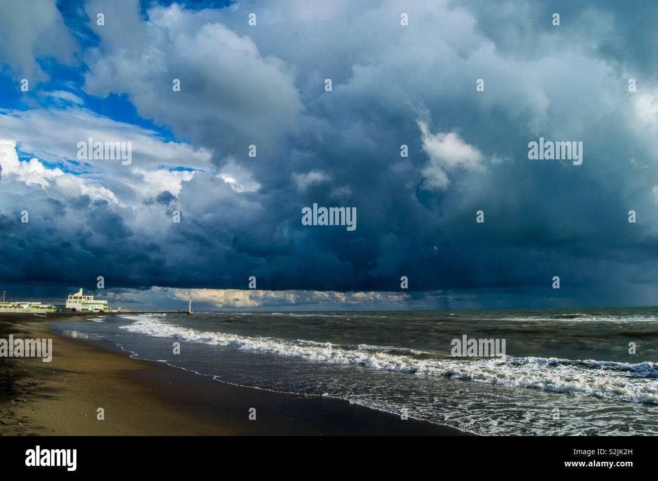 Dramatic sky above sea - Stock Image