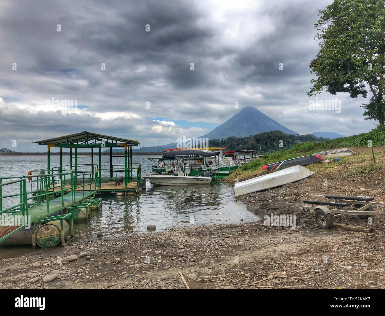 Boat launch on Lake Arenal in Costa Rica. - Stock Image