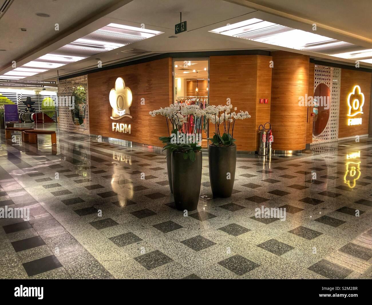 The interior of an upscale shopping mall in Ipanema, Rio de Janeiro, Brazil. - Stock Image