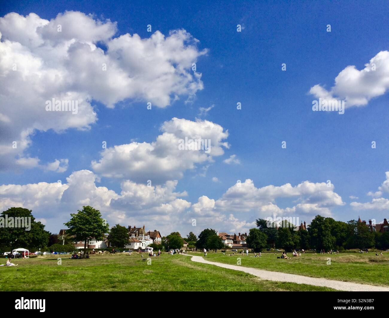 e6e7dc5bf9130 Wimbledon, London - July 2016: Wimbledon Common on a bright sunny day. -