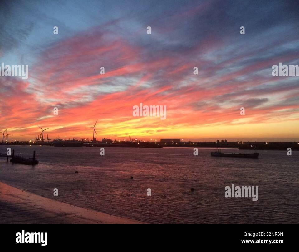Sunset over tilbury, Essex - Stock Image