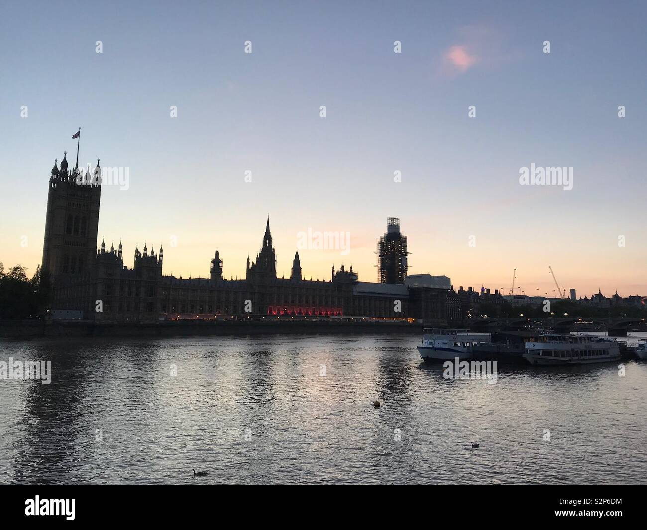 The Houses of Parliament at sunset - Stock Image