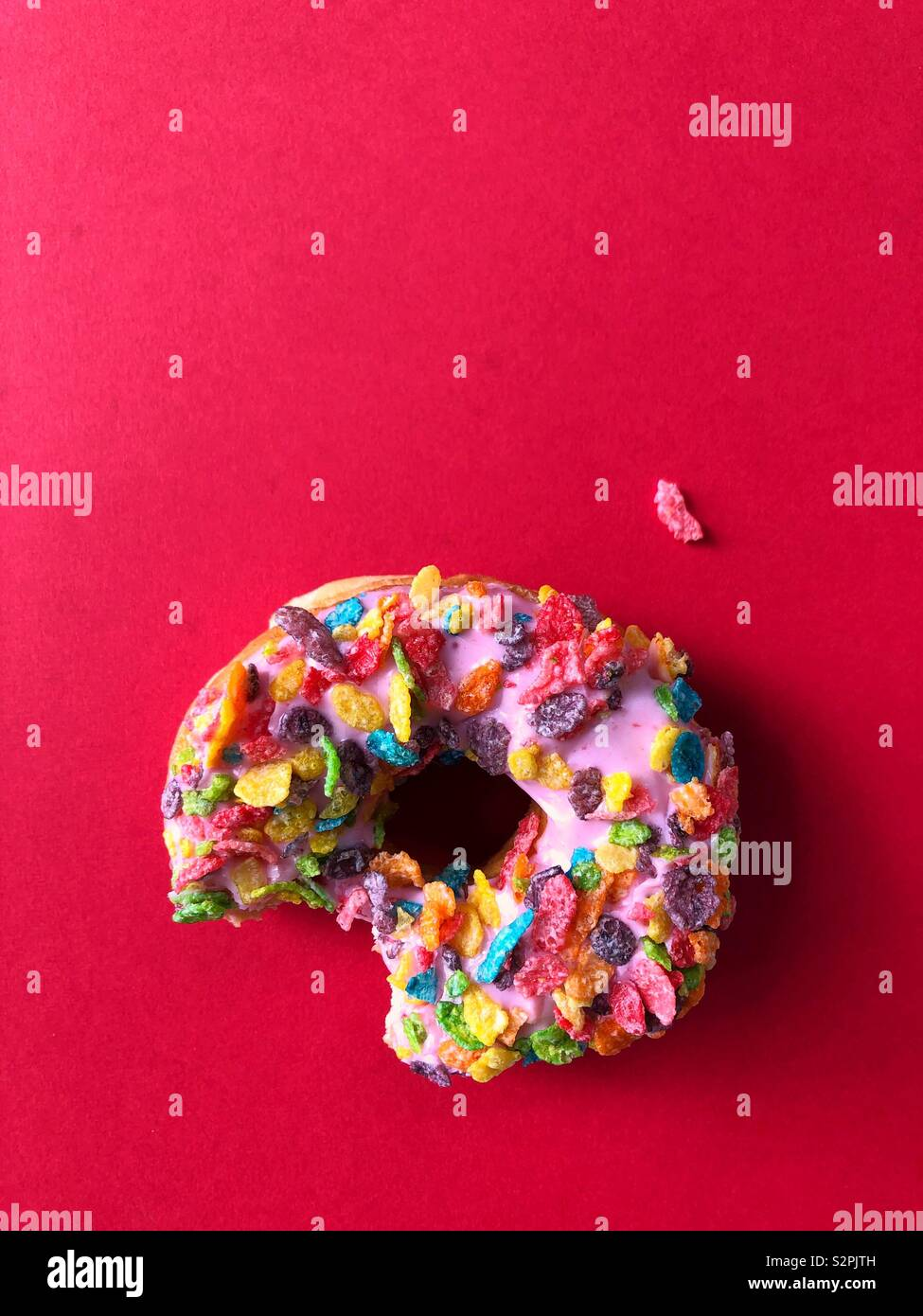 Fruity Cereal Stock Photos & Fruity Cereal Stock Images - Alamy