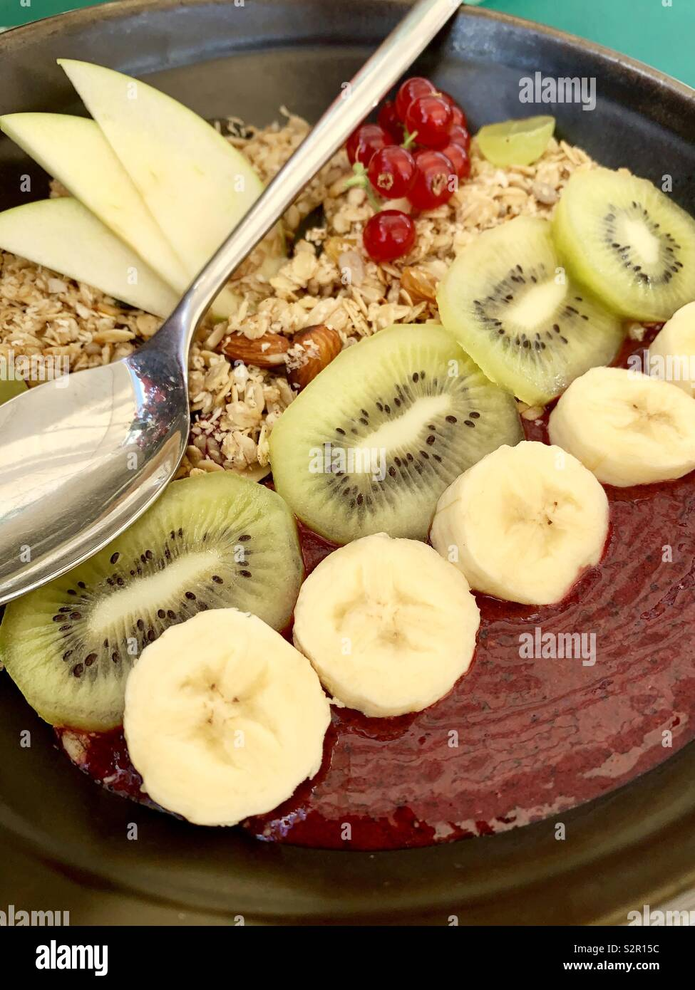Smoothie breakfast bowl - Stock Image