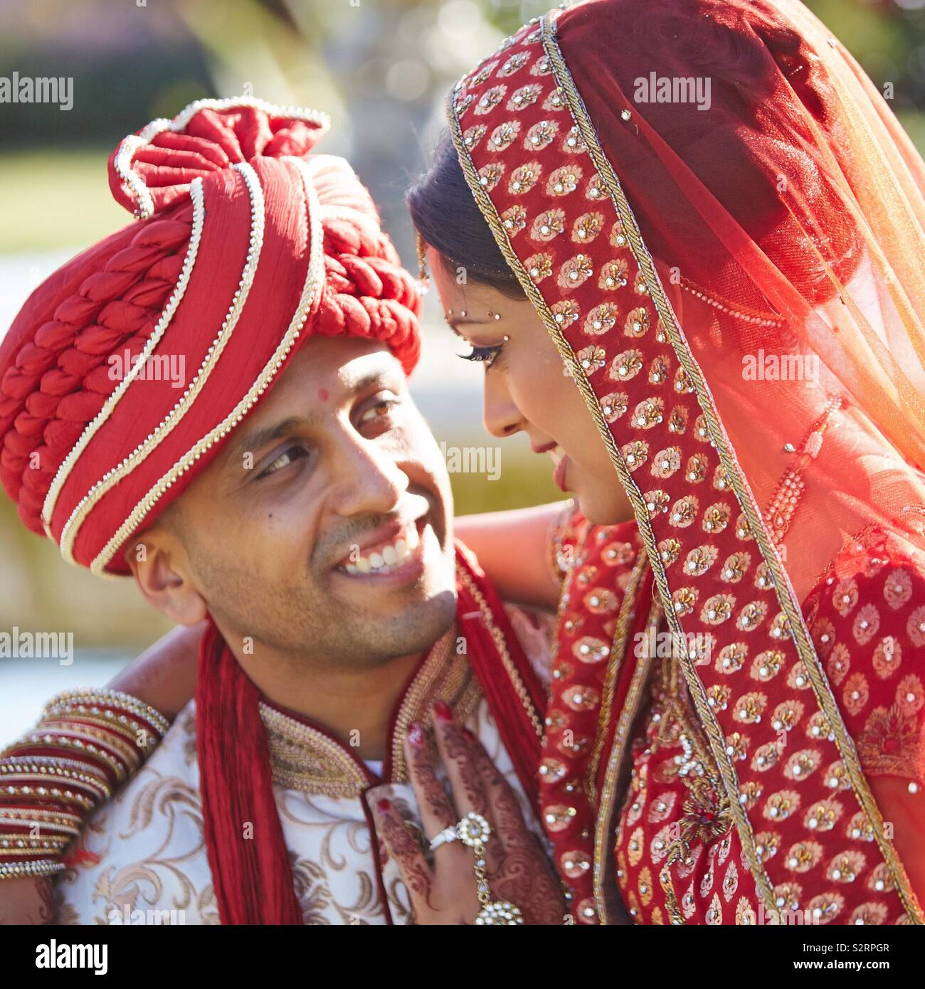 Indian Wedding Bride Groom Stock Photos & Indian Wedding
