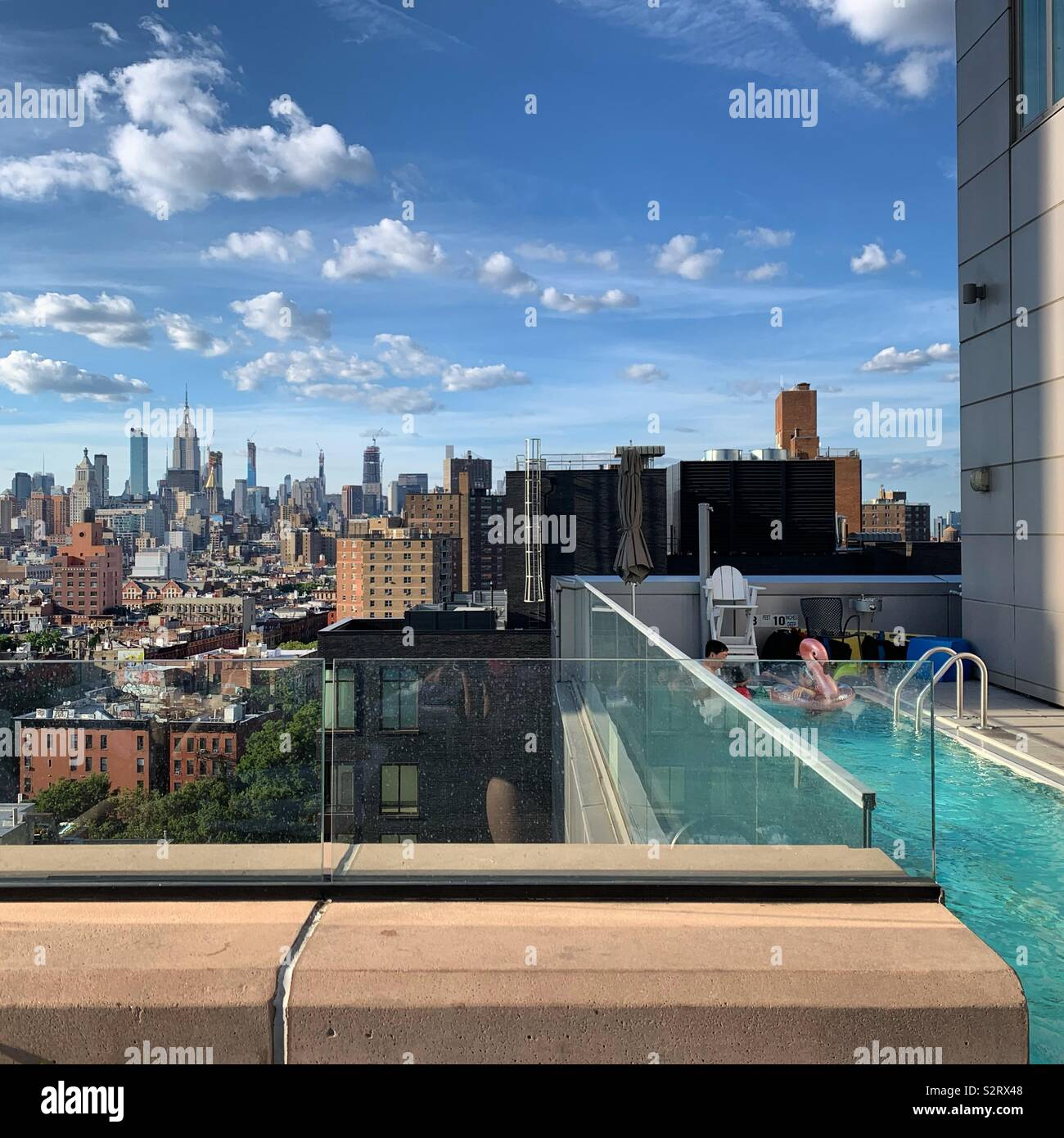 Looking out at the view from beside the pool at the Hotel Indigo Lower East Side, New York City - Stock Image