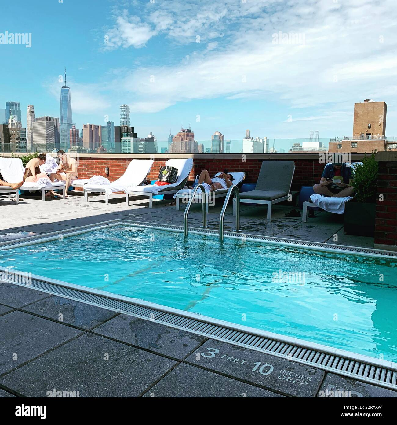 The pool at the Hotel Indigo Lower East Side, New York City - Stock Image