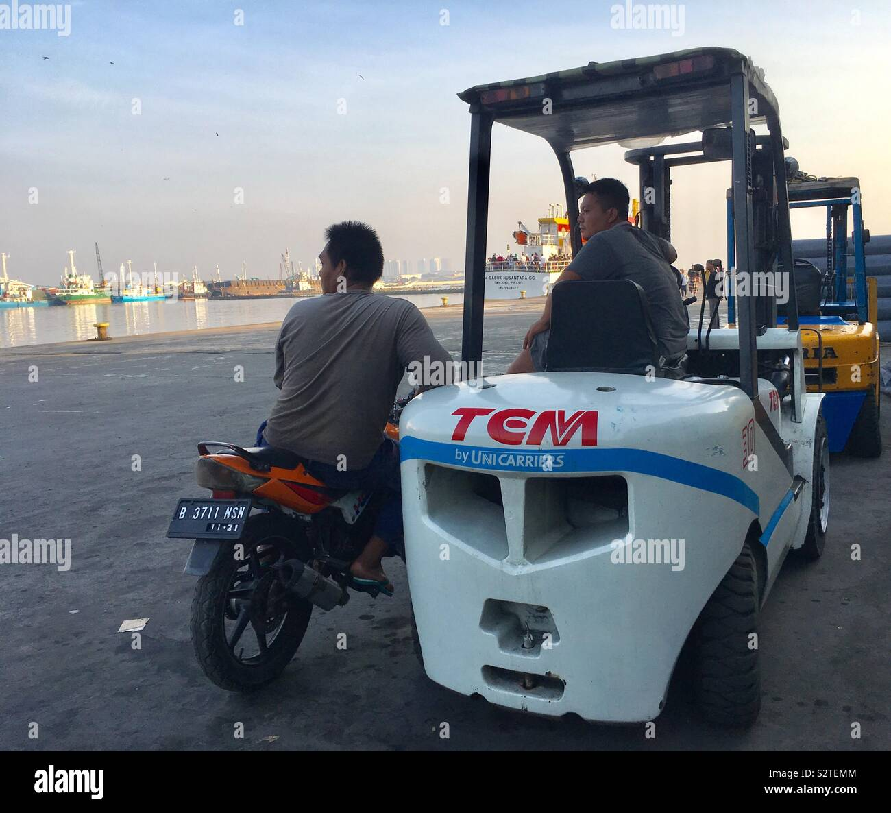 Forklift Driver Stock Photos & Forklift Driver Stock Images - Alamy