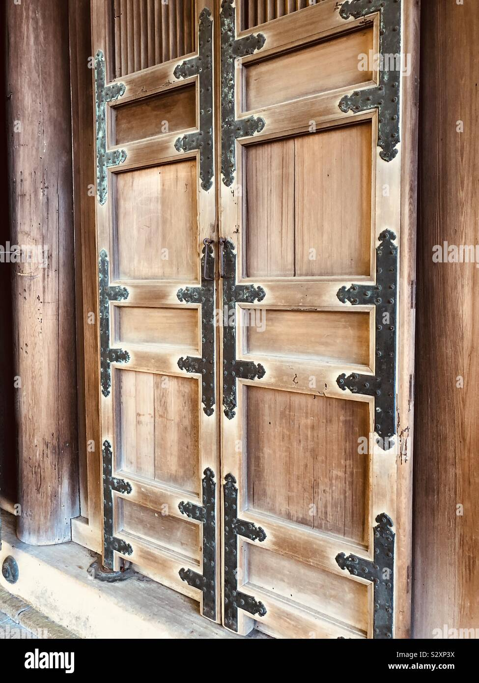 Japanese Doorway High Resolution Stock Photography And Images Alamy