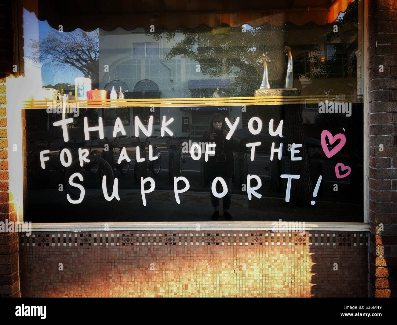 Thank you sign during the pandemic at Baker & Commons cafe in Berkeley, California. Stock Photo