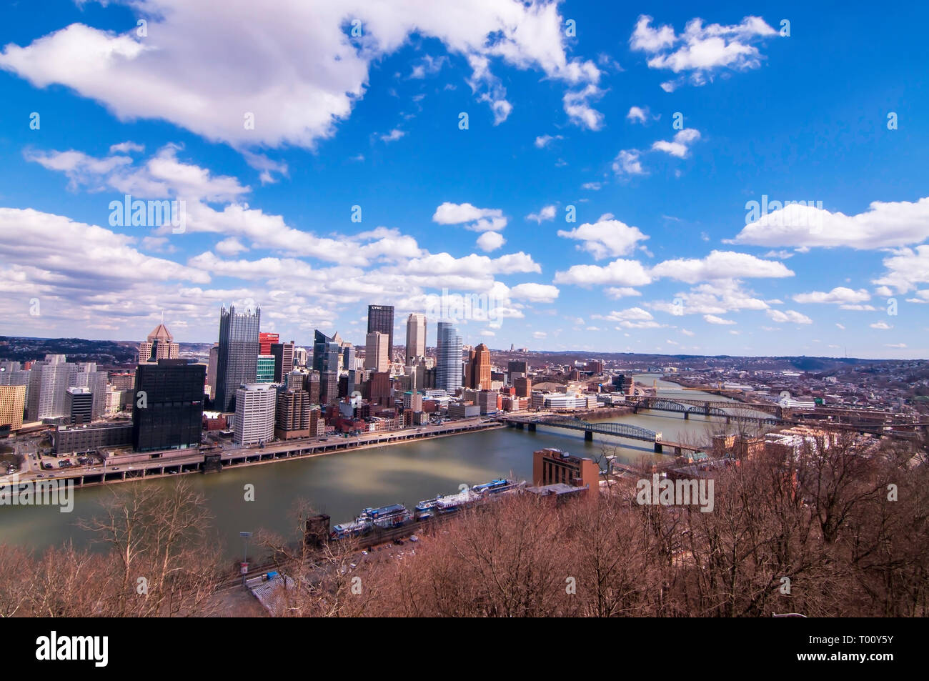 A view of downtown from the Grandview Overlook in Mt Washington on a bright winter day in Pittsburgh, Pennsylvania, USA Stock Photo