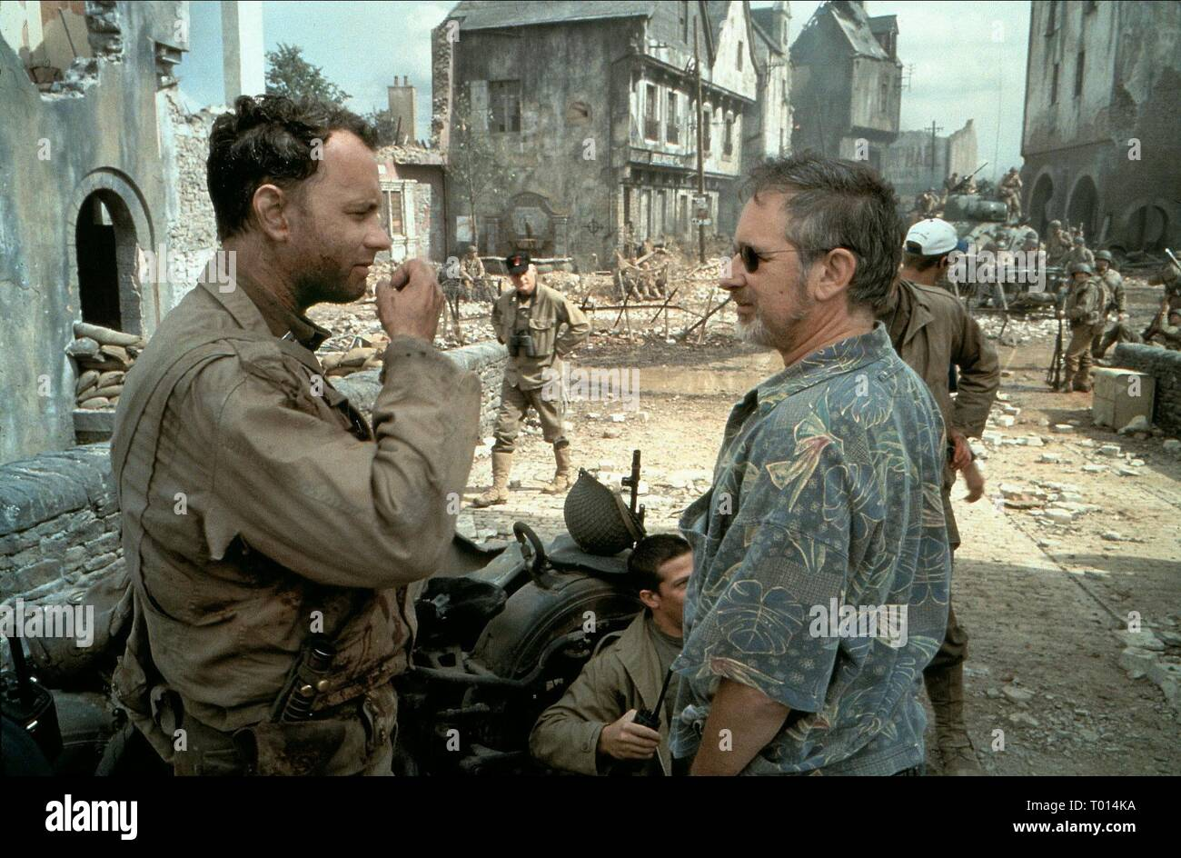 Tom Hanks Steven Spielberg Saving Private Ryan 1998 Stock Photo Alamy