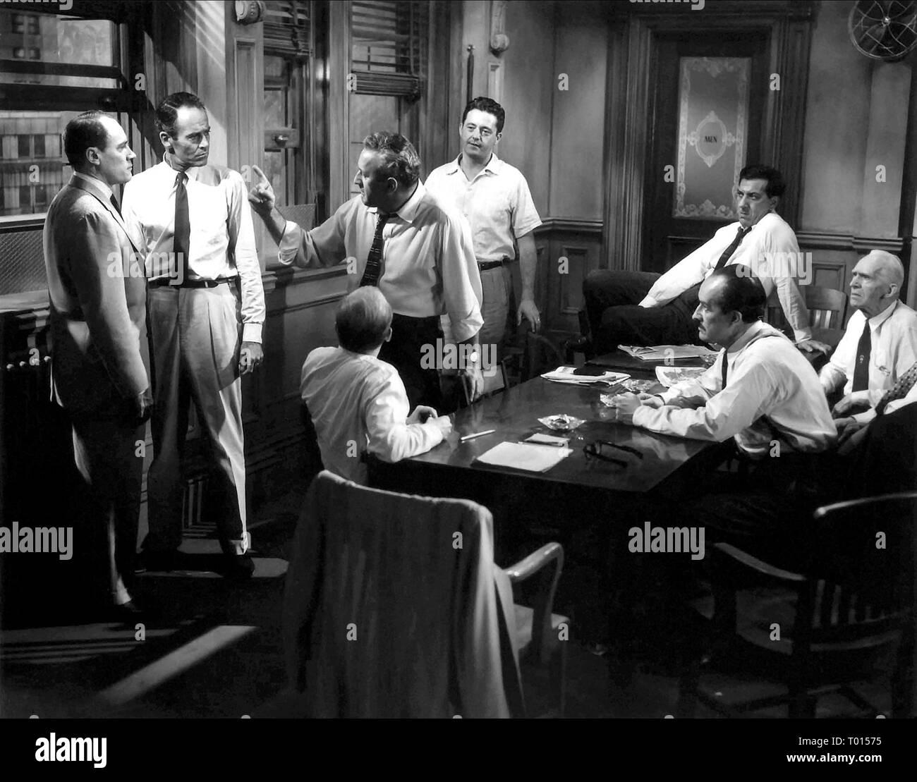 12 ANGRY MEN, E.G. MARSHALL, HENRY FONDA, JOHN FIEDLER, LEE J. COBB, EDWARD BINNS, GEORGE VOSKOVEC, JACK KLUGMAN , JOSEPH SWEENEY , 1957 - Stock Image