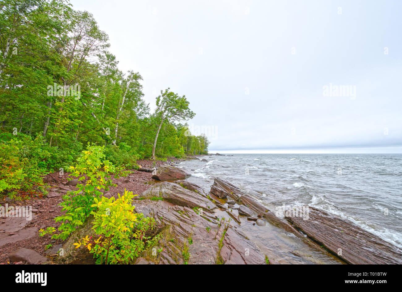 Waves Crashing Lake Superior Stock Photos & Waves Crashing