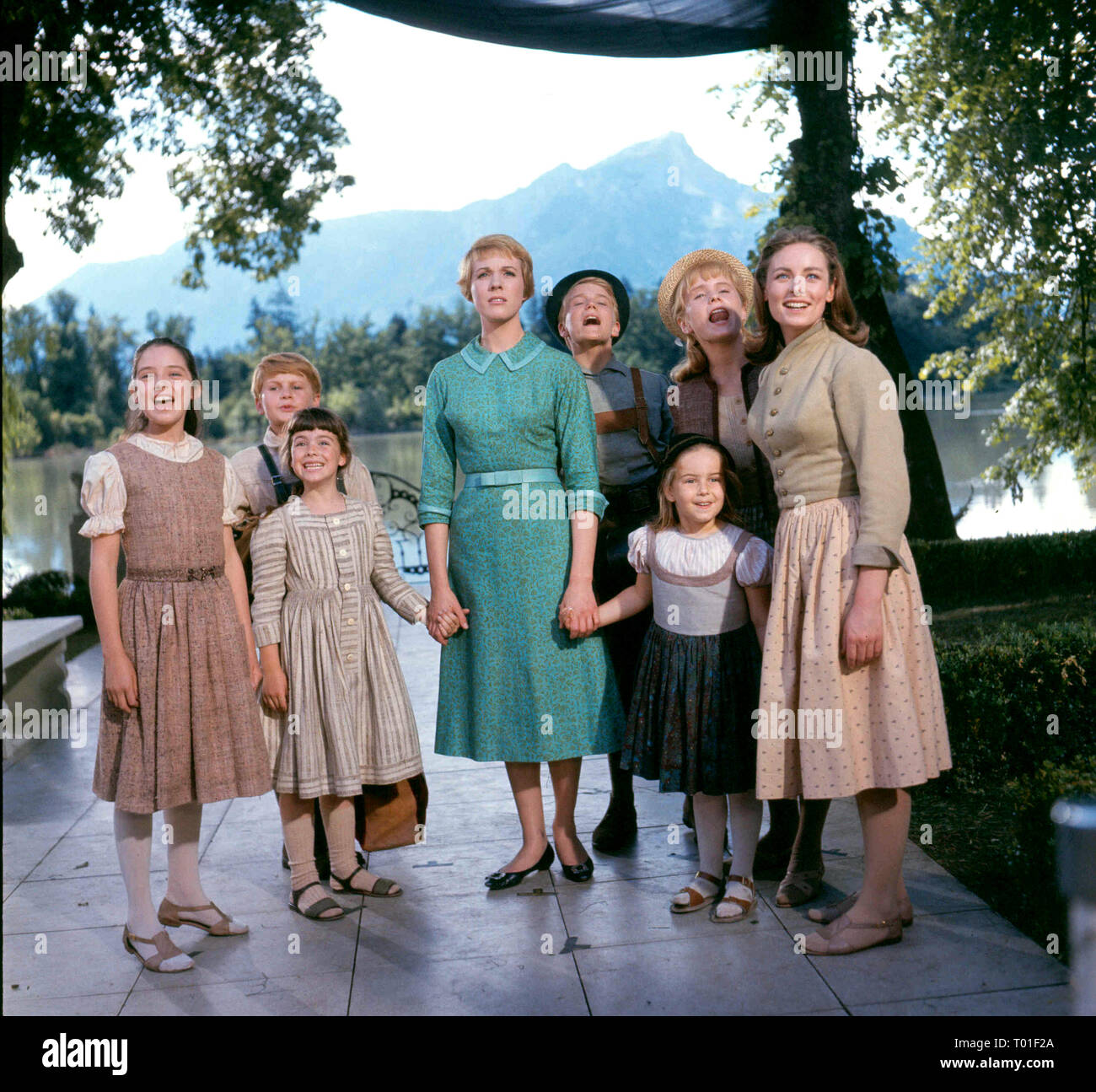 THE SOUND OF MUSIC, HEATHER MENZIES, DUANE CHASE, DEBBIE TURNER, JULIE ANDREWS, NICHOLAS HAMMOND, KYM KARATH, ANGELA CARTWRIGHT , CHARMIAN CARR, 1965 - Stock Image
